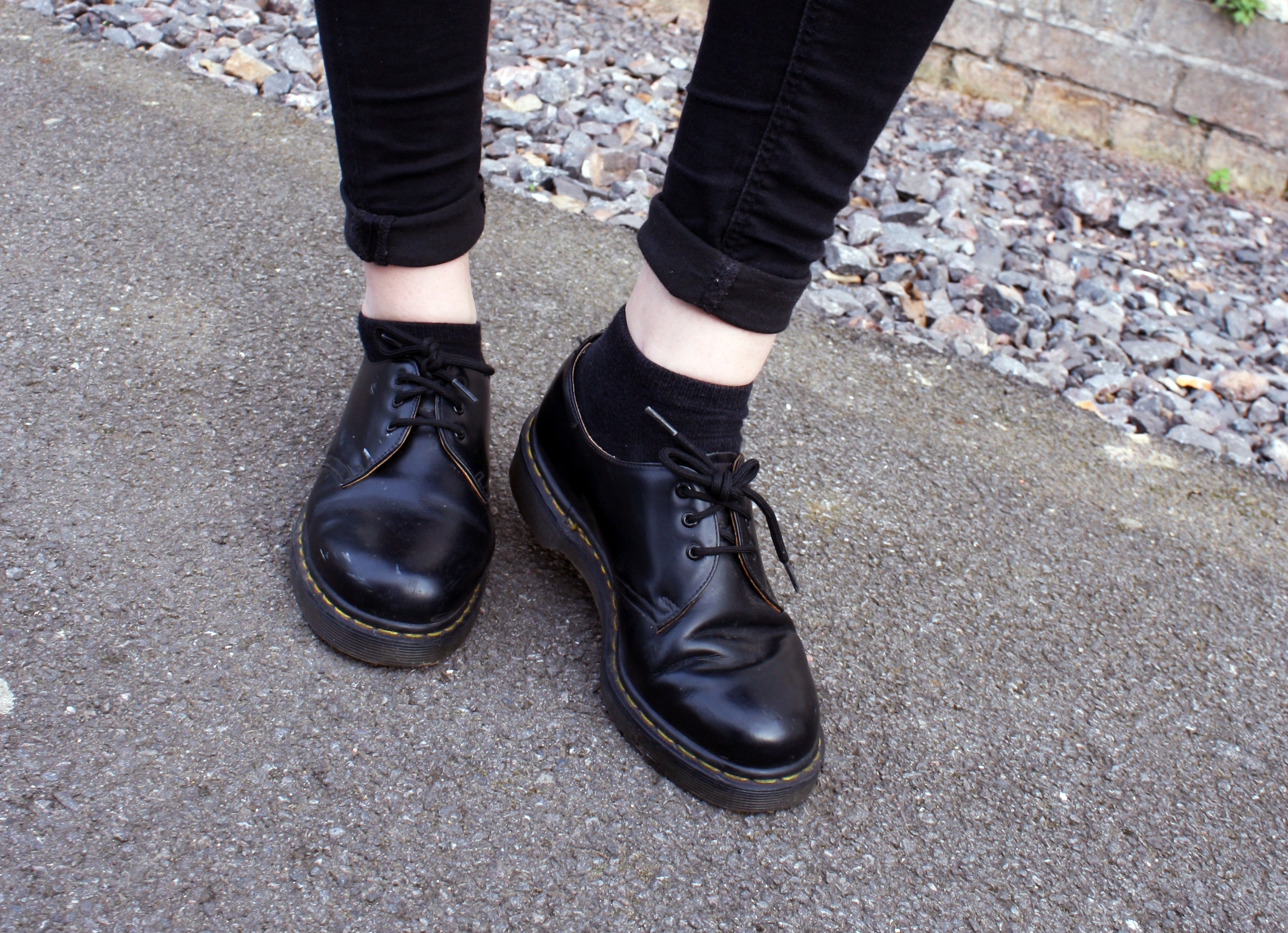 how to wear low cut doc martens